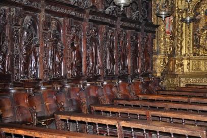 Catedral de Ourense- Capilla del Cristo con parte de Coro renacentista como decoración