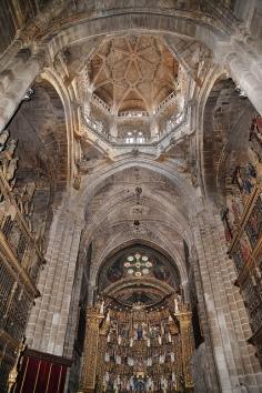 """Catedral de Ourense- Vista """"limpia"""" de la nave principal"""