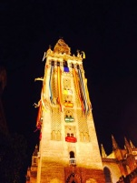 Engalanamiento de la Giralda con motivo de la proclamación de Felipe VI, Sevilla 2014.