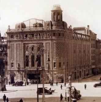 Cine Del Callao en la Plaza del mismo nombre