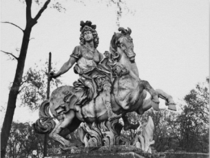 Gian Lorenzo Bernini: Escultura ecuestre de Luis XIV. Palacio de Versalles, París.