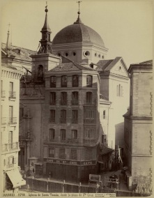 Convento de Santo Tomás desde la plaza de la Santa Cruz. Foto J. Laurent.