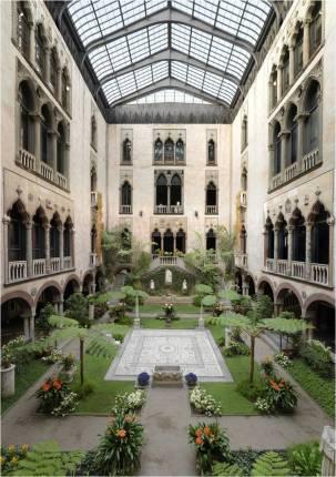 Patio-jardín del Isabella Stewart Gardner Museum.
