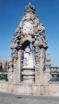 Pedro de Ribera: Hornacina con San Isidro Labrador en el Puente de Toledo de Madrid.