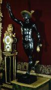 8. Jacques Jonghelinck: Mercurio, bronce pavonado y dorado, 200x38x80 cm. Madrid, Patrimonio Nacional, nº inv. 10010388.