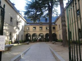 Vista de la Primera Casas de Oficios, en la actualidad Casa de Cultura de San Lorenzo de El Escorial.
