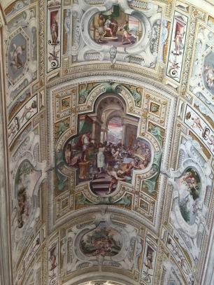 Vista de la bóveda de la rampa principal de la escalera de lPalacio del Viso del Marqués.
