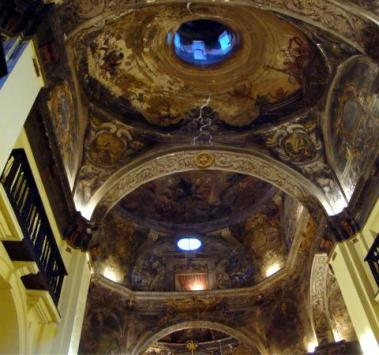 Frescos en el interior de la Iglesia de la Mantería en Zaragoza.