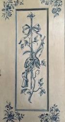 Decoración de los armarios de madera con motivos cinegéticos y vegetales del Amalienburg.