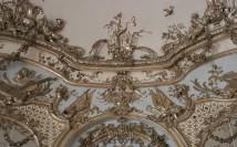 Deocraciones de estuco del Salón de los Espejos del Amalienburg.