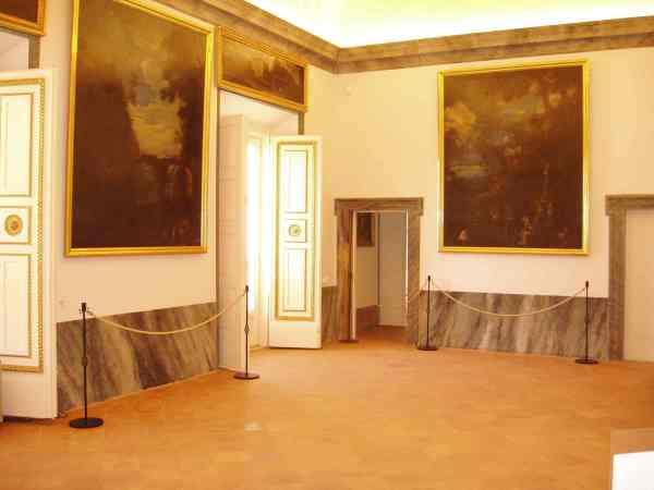 Vista en la actualidad del tercio de la Galería de Paisajes que ha podido ser recuperado en el Palacio Real de Aranjuez.