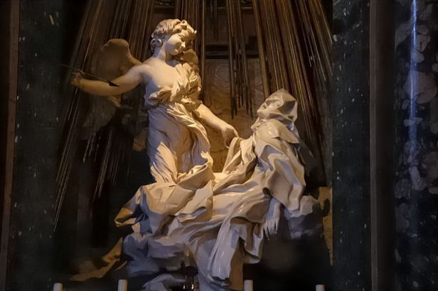 Gian Lorenzo Bernini: Éxtasis de Santa Teresa. Capilla Cornaro, Sta. María de las Victorias. Roma (detalle de la escultura)