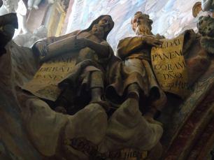 Detalle de profetas que prefiguran la Eucaristía. Transparente Catedral de Toledo. Foto: Laberintos del Arte