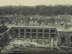 Proceso constructivo del edificio hacía 1913. Foto Frick Collection.