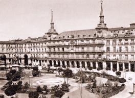 Jean Laurent: Vista de la Plaza Mayor de Madrid. Fondo IPHE.