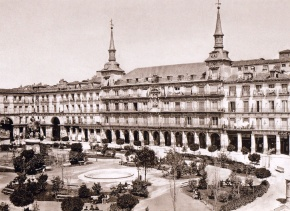 J. Laurent: Vista de la Plaza Mayor de Madrid. Fondo IPHE.