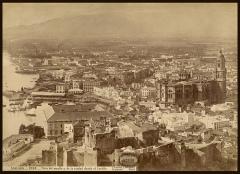 J. Laurent: Vista de Málaga desde el castillo. Fondo IPHE.