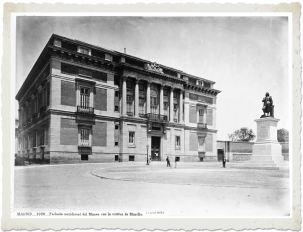 J. Laurent: Vista de la Puerta de Murillo del Museo del Prado. Fondo IPHE.
