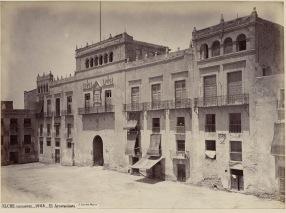 J. Laurent: Vista del Ayuntamiento de Elche. Fondo IPHE.