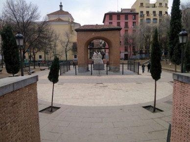 Vista de la Plaza del Dos de Mayo de Madrid en la actualidad. Wikimedia Commons.
