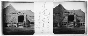 Cabañas expuestas en el Parque del Retiro en la Exposición General de Filipinas. 1887. foto: IPCE