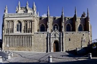 Vista actual de la iglesia de san Juan de los Reyes en Toledo. Wikimedia Commons.