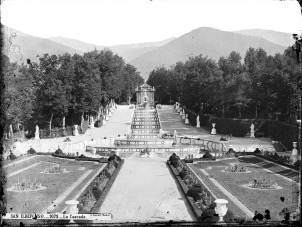 J. Laurent: Vista de la fuente de la cascada del Palacio de La Granja de San Ildefonso. Fondo IPHE.