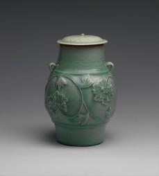Bote con decoración de peonias, siglo XIV. Metropolitan Museum New York.
