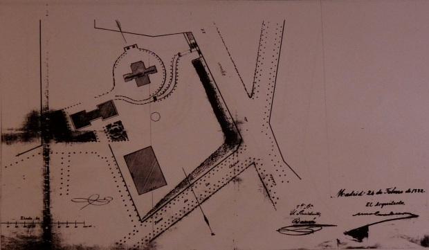 Palno del cerrillo de San Blas donde puede apreciarse el Observatorio de Villanueva (forma de cruz) y la Escuela de Ingenieros (planta rectangular).