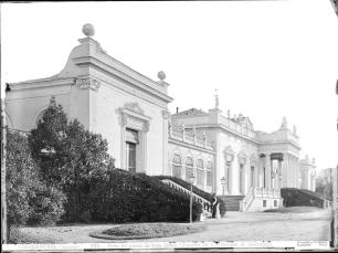 Jean Laurent: Palacio del Duque de Riansares en la finca de Vista Alegre. Foto: Archivo Ruiz-Vernacci (IPCE).
