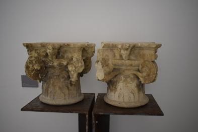 Capiteles del Patio del Ave María obra de Rodrigo Gil de Hontañón