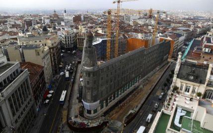 El edificio Canalejas en proceso de su destrucción. Foto: El País.