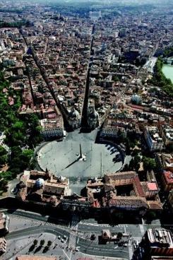 Vista aérea de la Piazza del Popolo.