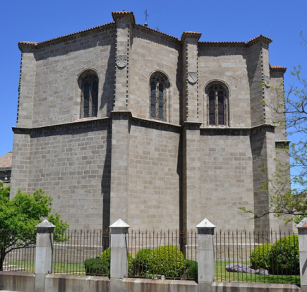 Juan Campero el Viejo y otros: Exterior de la Capilla de Mosén Rubí de Bracamonte o de la Anunciación, ca. 1515-1520. Fotos: Wikimedia Commons.