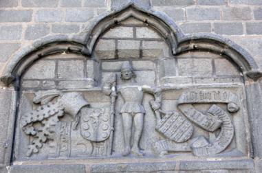 Detalle del friso figurado de la casa-palacio de Gonzalo Dávila, o Palacio de Valderrábanos. Foto: Wikimedia Commons.