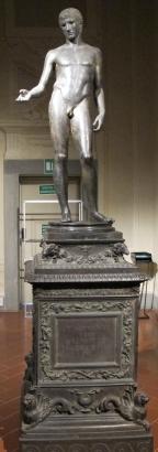 Taller romano. Idolino de Pesaro. Uffizi. Florencia. s. I a.C. foto: wikipedia